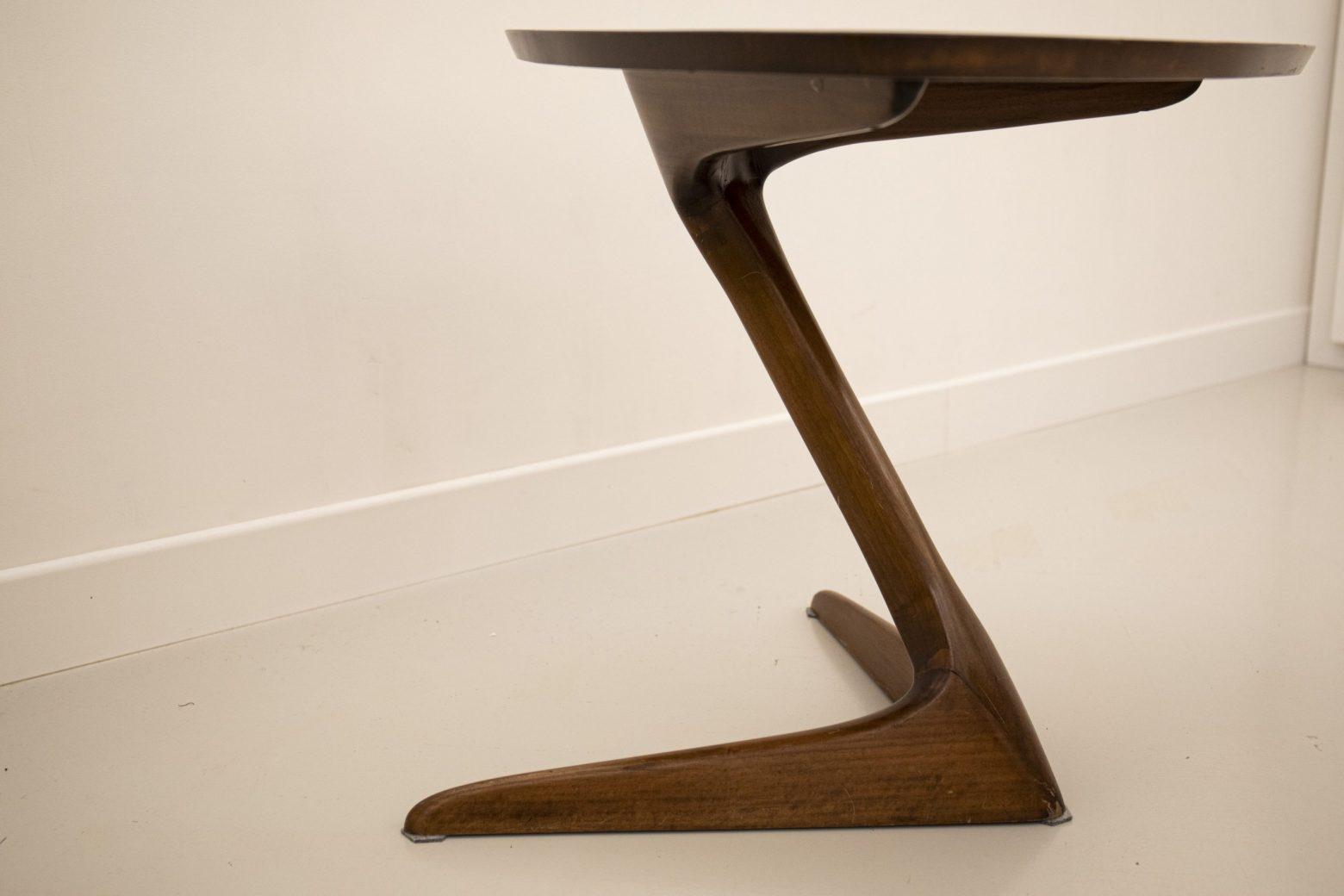 Unicorn end table by Kagan