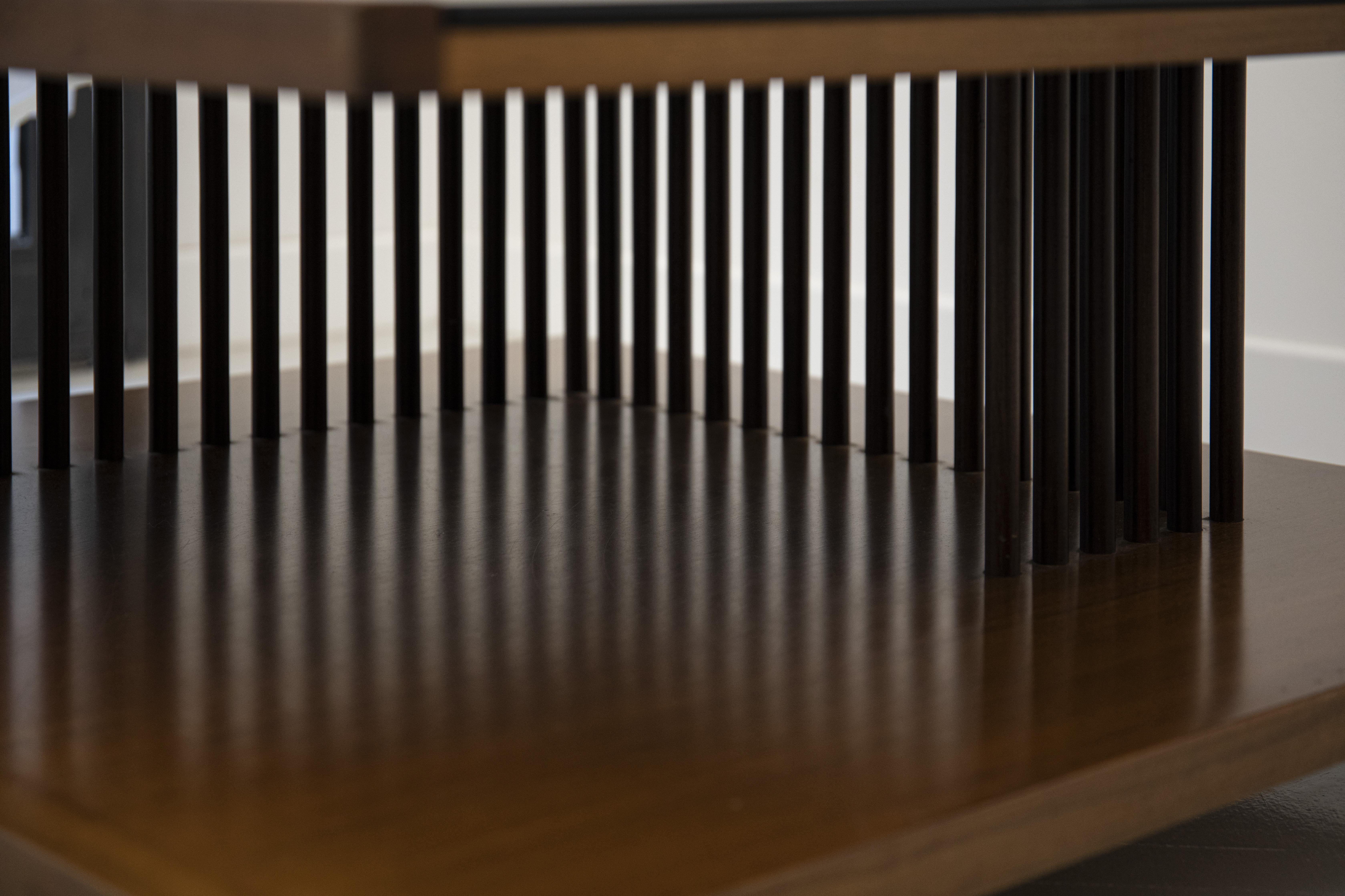 Tavolino basso vetro nero dettaglio